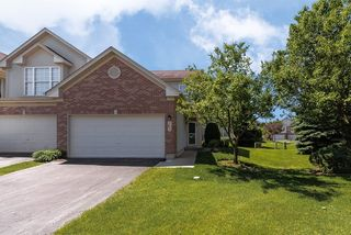 717 Crossing Way #717, Saint Charles, IL