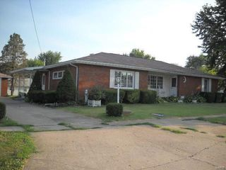 104 W Main St, Fieldon, IL