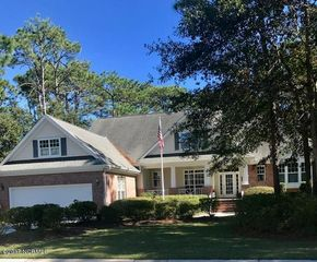 4213 Cravens Point Rd, Wilmington, NC