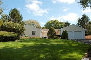 8 Doti Ct, Huntington, NY