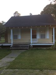 269 W Oak St, Crosby, MS