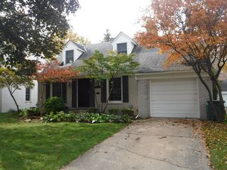1337 Harvard Rd, Grosse Pointe Farms, MI