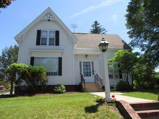 109 Pleasant St, Leicester, MA