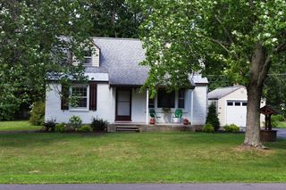 12 Orchard Dr, Glenville, NY