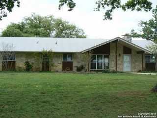 6594 County Road 401, Floresville TX