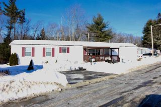 30 Willow Rd, Newton, NH