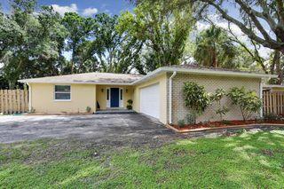1004 Lake Charles Circle, Lutz FL