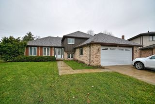 8301 Tower Rd, Willow Springs, IL