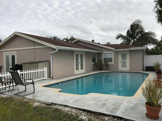 1473 Donwoods Ln, West Palm Beach, FL