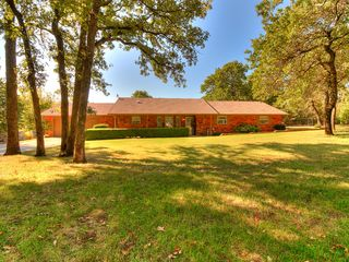 17898 Tall Oak Rd, Choctaw, OK