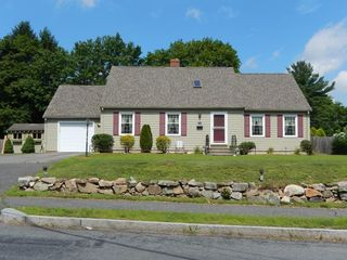 46 Curve St, Medfield, MA