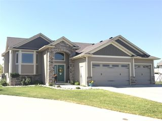 416 3rd Ave SW, Surrey, ND