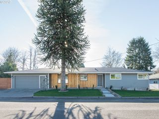 10644 NE Russell Ct, Portland, OR