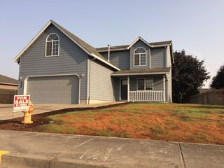 660 Greenwood Dr, Jefferson, OR