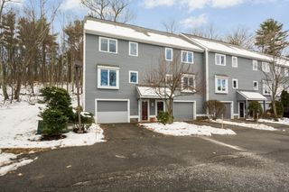 2 Country Hill Ln #2, Haverhill, MA