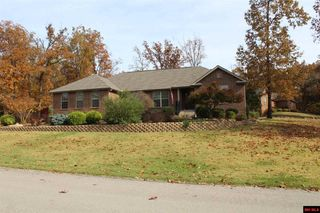 100 Walnut Ave, Bull Shoals, AR