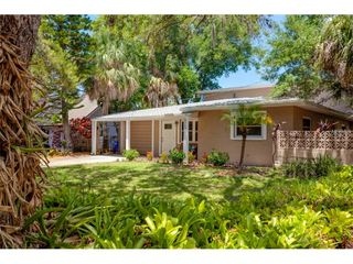8269 29th Avenue N, Saint Petersburg FL