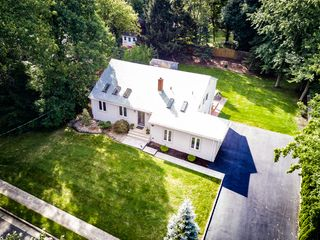 28 Greenwich Rd, Edison, NJ