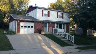 2276 Graham Cir, Dubuque, IA