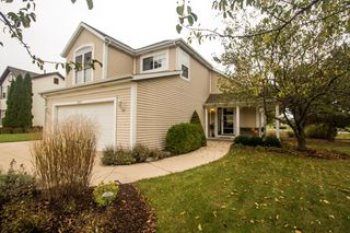 650 E Quail Run, Oak Creek, WI