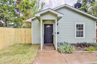 320 E 37th St, Houston, TX