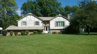 301 Maple Ct, Greenfield, IN
