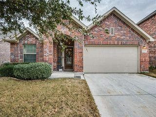 3433 Twin Pines Dr, Fort Worth, TX