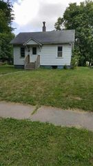913 8th Ave, Rock Island, IL