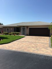 9705 Foxglove Cir, Fort Myers, FL