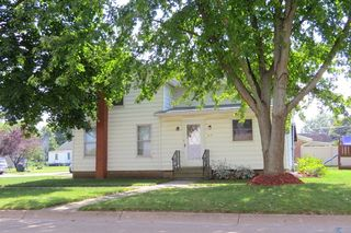 313 E Walnut St, Fairbury, IL