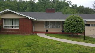 1305 Riverview Ln, Paintsville, KY