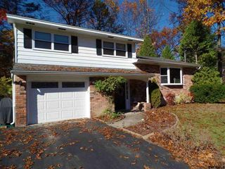 5 Evergreen Dr, Voorheesville, NY