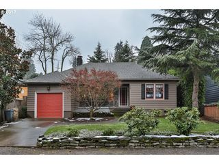 918 Lake Front Rd, Lake Oswego, OR