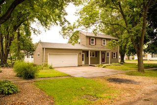 102 N Washington St, Everly, IA