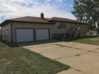 404 Violet Ave NW, South Heart, ND