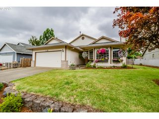 1413 Meadowlawn Pl, Molalla, OR