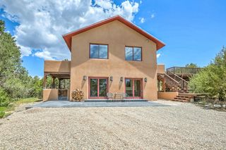 1052 County Line Rd, Edgewood, NM