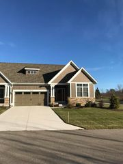 1687 N Brandon Ridge Dr NW #14, Walker, MI