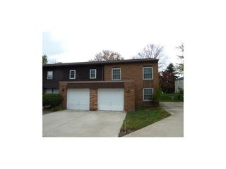 13958 Oakbrook Dr #3958, North Royalton, OH