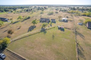 10500 Silver Creek Dr, Scurry, TX