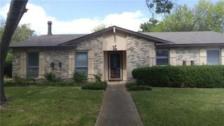 1113 Oakbluff Dr, Lancaster, TX