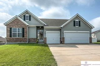 1709 Port Royal Dr, Papillion, NE