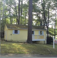 27 Ardmore Rd, Holland, MA