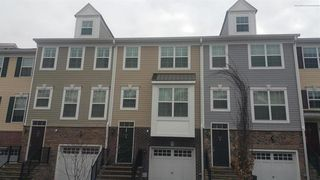 307 Princeton Ct, Shrewsbury, NJ