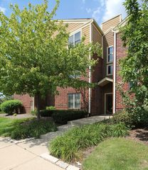 209 Glengarry Drive #301, Bloomingdale IL
