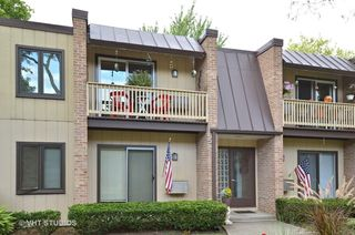 1755 Henley St #2S, Glenview, IL