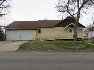 47 3rd Ave NW, Garrison, ND