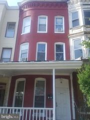 2821 W North Ave, Baltimore, MD
