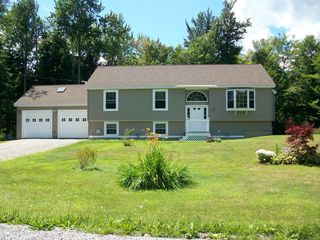 14 King Arthur Dr, Becket, MA
