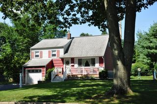 50 Birch Dr, Shrewsbury, NJ